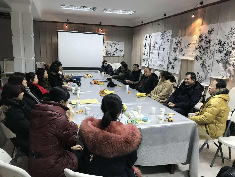 """美術與設計學院召開""""企業書畫班""""作品觀摩座談會"""